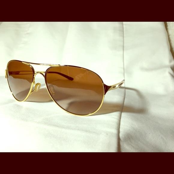 ce012b787be3b Ladies Oakley Aviator Sunglasses OO4054-47. M 5c66febb12cd4ae6117b2db0